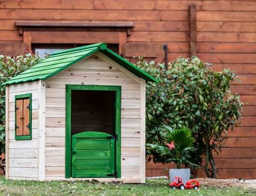 Maisonnette en bois pour enfant peinte
