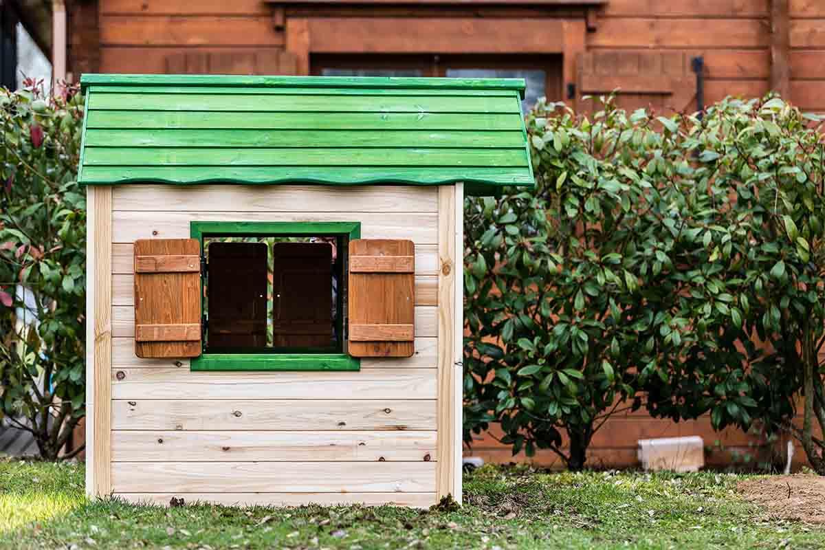 maisonnette en bois pour enfant peinte foresta une r ponse tr s compl te autour de l. Black Bedroom Furniture Sets. Home Design Ideas