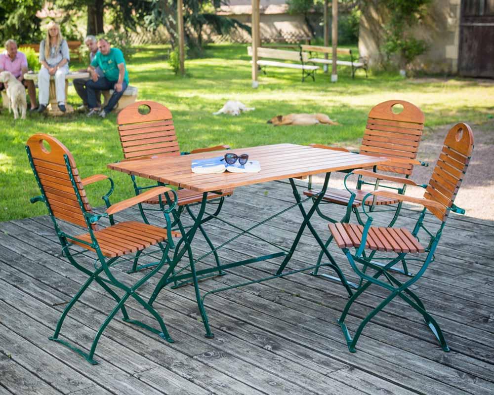 Table de jardin en bois fait maison - Mobilier de jardin fait maison villeurbanne ...