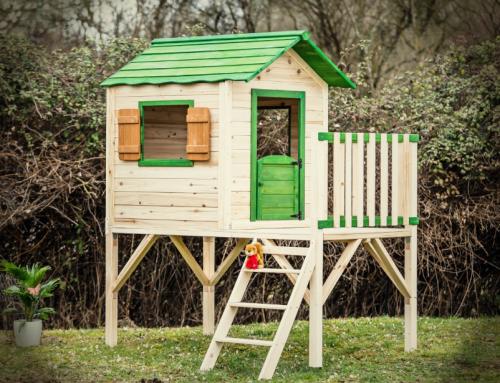 Maisonnette en bois pour enfant sur pilotis peinte – MA1319.