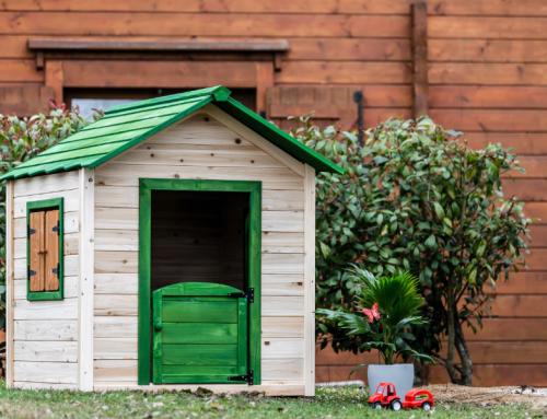 Maisonnette en bois pour enfant peinte – MA1313