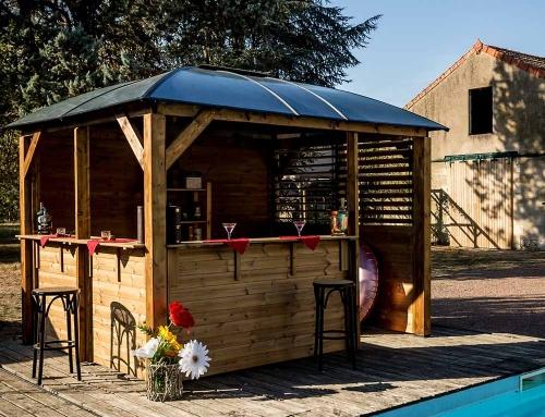 Pool House BLUETERM Structure en bois Toit en aluminium et polycarbonate